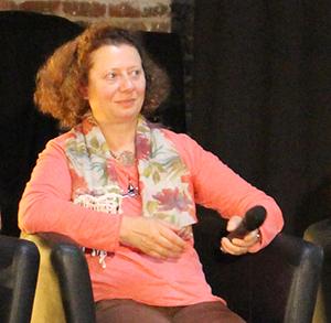 2. Annie Duparque (2)